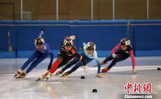js33555.com金沙:中国顶级短道速滑青少年锦标赛落幕_为冬奥会储备力量