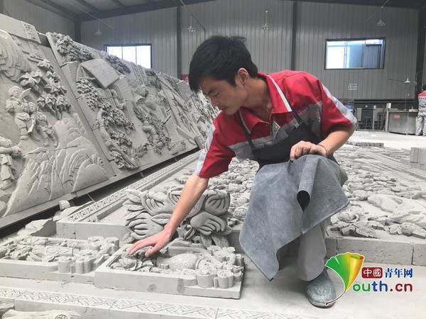"""88彩票登陆:【脱贫攻坚在行动】新时代的临夏砖雕:""""非遗+扶贫""""新模式"""