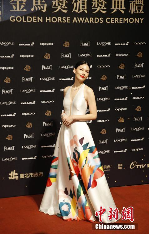 11月25日,第54届金马奖颁奖典礼在台北举行.图为台湾艺人纪培慧