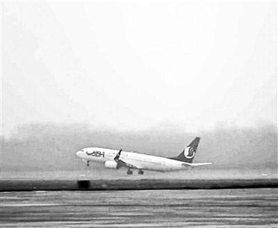 澳门新金沙在线网址:中国客机首次低能见度150米起飞_使用这项新技术