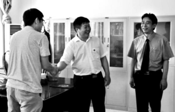 信阳市平桥区 检察院扫黑除恶 严把案件质量关