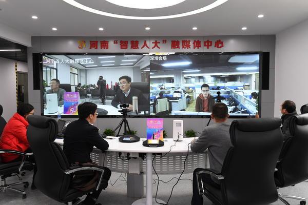 河南省人大融媒体中心首次亮相全国人代会