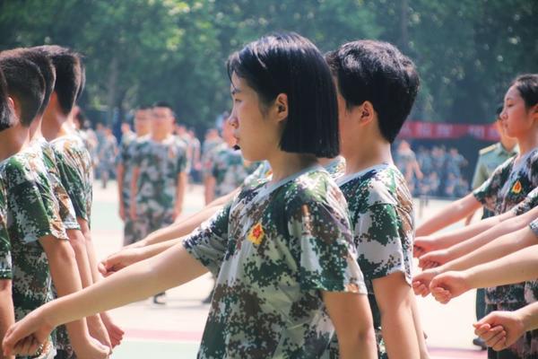 郑州学子的军训时光