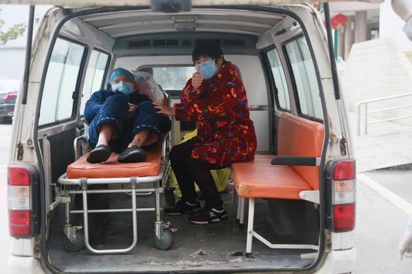 回家!全國最高齡新冠肺炎患者治愈出院