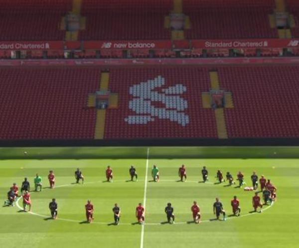 利物浦全队单膝跪地支持黑人 詹姆斯转发视频接力