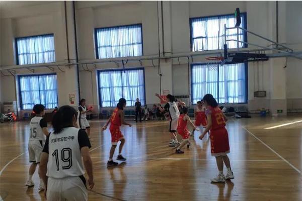 河南省实验中学女篮获CSBA全国第五