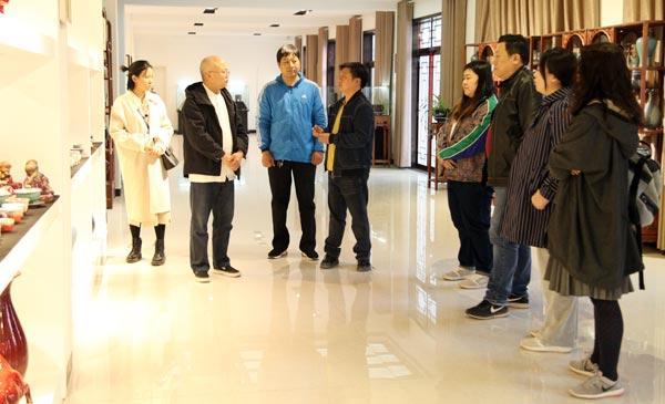 河南省科协百千万创新驱动助力项目——可控型彩釉瓷画关键技术协同创新项目取得新成果