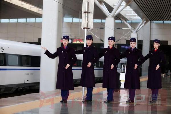 """""""郑州东站""""火爆的背后有这位列车长的功劳"""