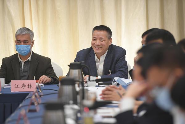 河南代表团审议全国人大组织法和全国人大议事规则修正草案等