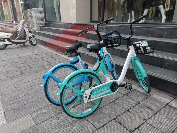 """骑行5分钟,还车半小时!郑州新型共享单车""""最后一公里""""何时能解决?"""
